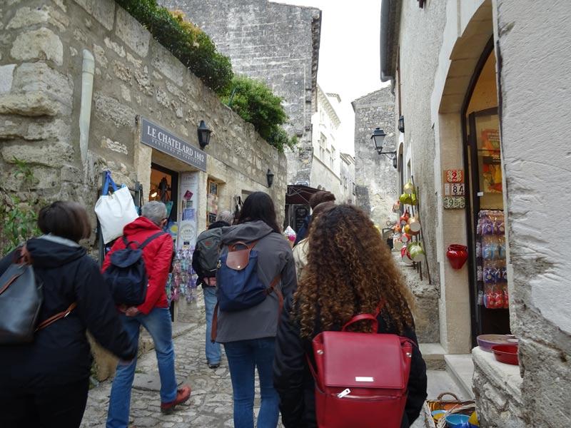 baux-de-provence-students-street